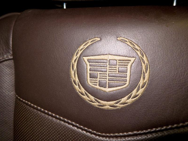 Cadillac Escalade - фото 8