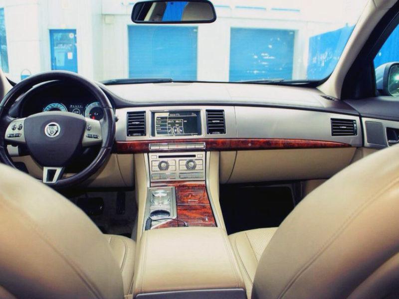 Jaguar XF - фото 5