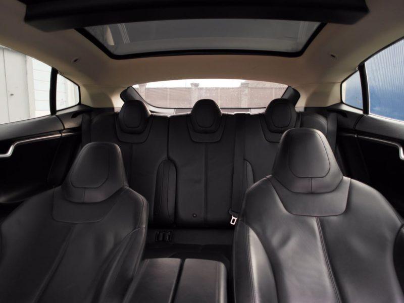 Tesla Model S - фото 10