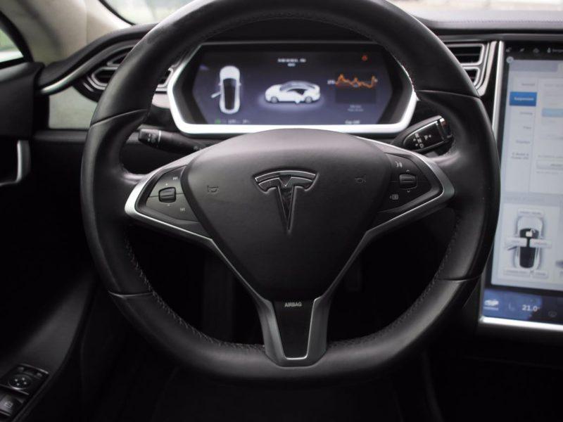 Tesla Model S - фото 6