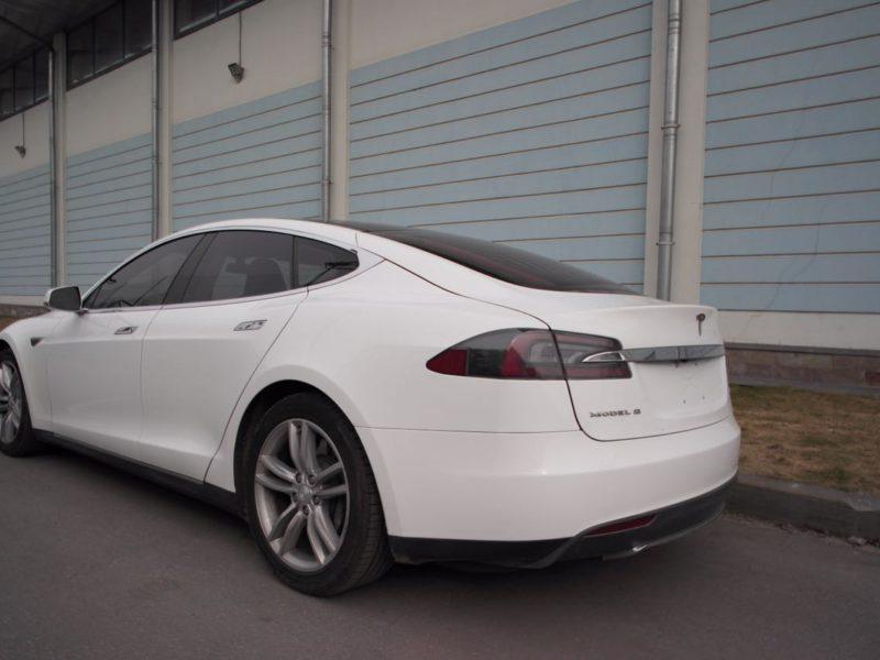 Tesla Model S - фото 3