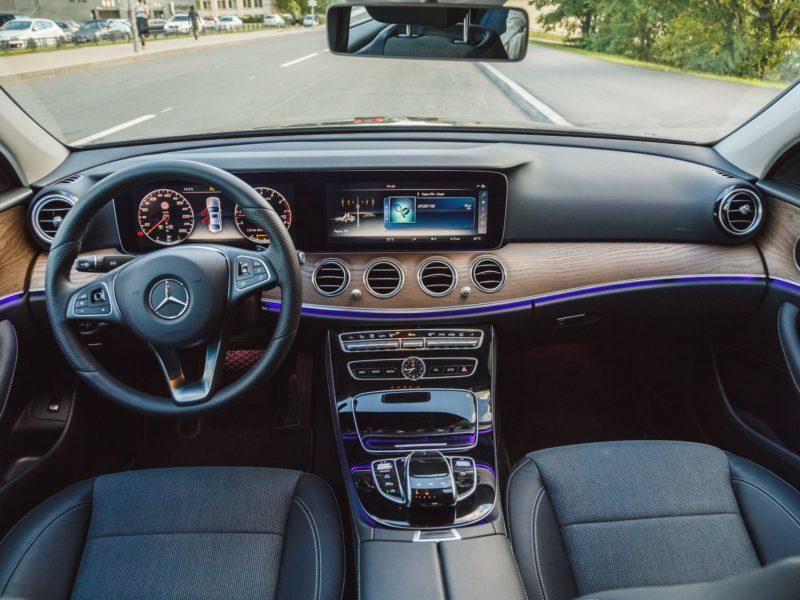 Mercedes E 200 - фото 5