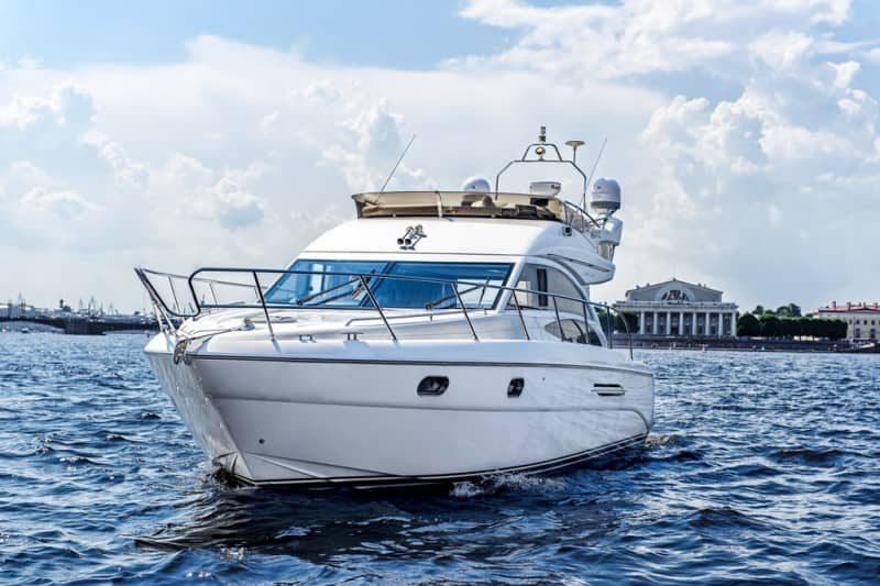 Яхта Princess 42 - фото 1
