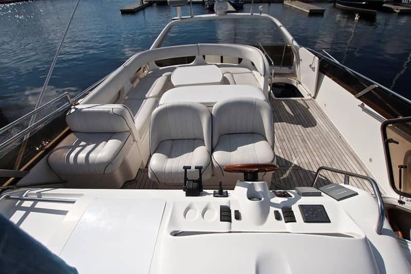 Яхта Princess 60 - фото 3