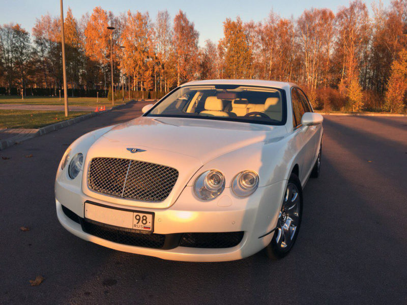 Bentley Continental Flying Spur - фото 1