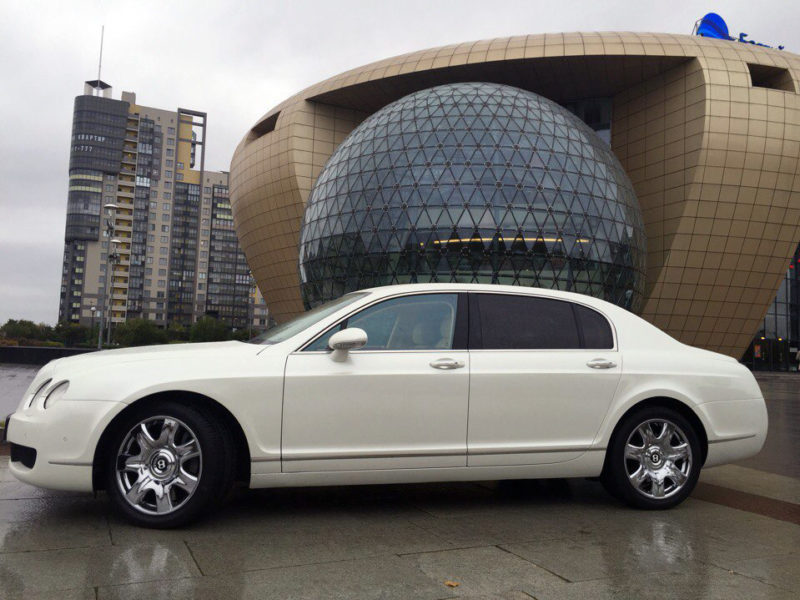 Bentley Continental Flying Spur - фото 2