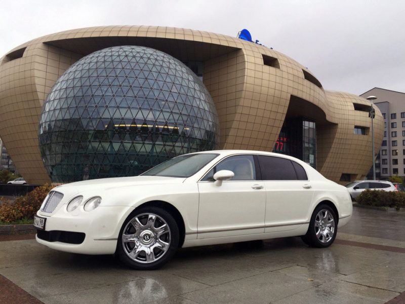 Bentley Continental Flying Spur - фото 4