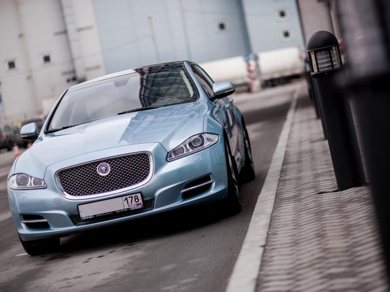 Jaguar XJ Blue - фото 1
