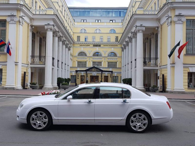 Bentley Continental Flying Spur - фото 10