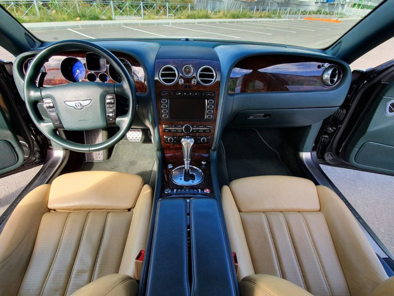 Bentley Continental Flying Spur - фото 8