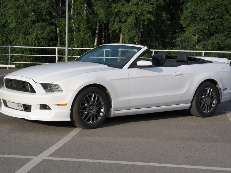 Ford Mustang GT - фото 3
