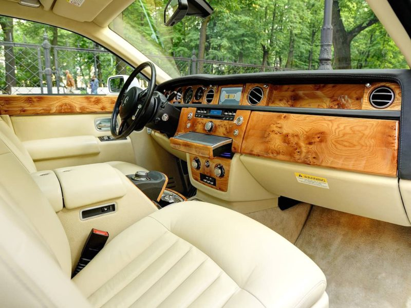 Rolls-Royce Phantom - фото 9